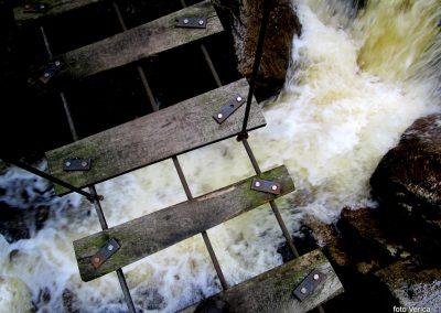 12 LOBNICA-ŠUMIK-AREH, v soteski potoka Lobnica, 10.04