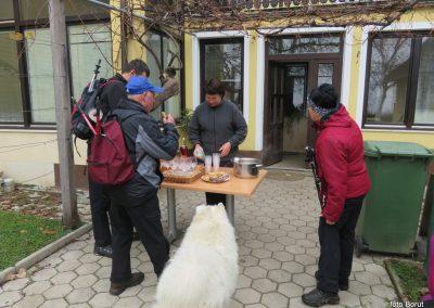 37 POHOD V NEZNANO, 8-12-2019, turistična kmetija Vrbjak, 11.25